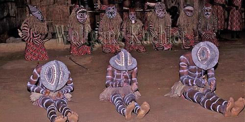 zimbabwe-makishi-mascaras